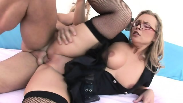 Girl with glasses indulges in anal pleasures