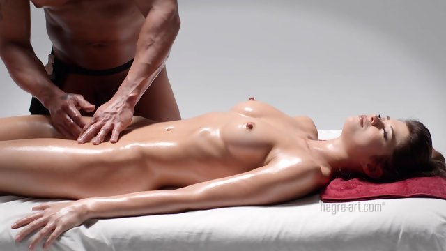 Powerful vaginal massage pussy