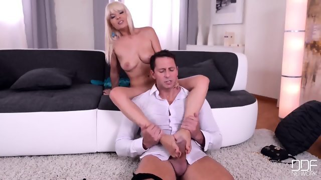 Put cock in pretty blonde in stockings