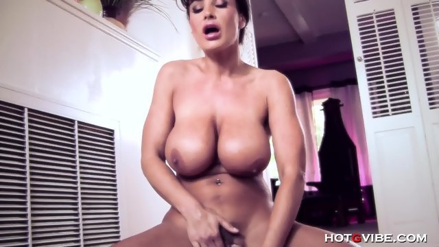 Orgasm after masturbating woman Lisa Ann