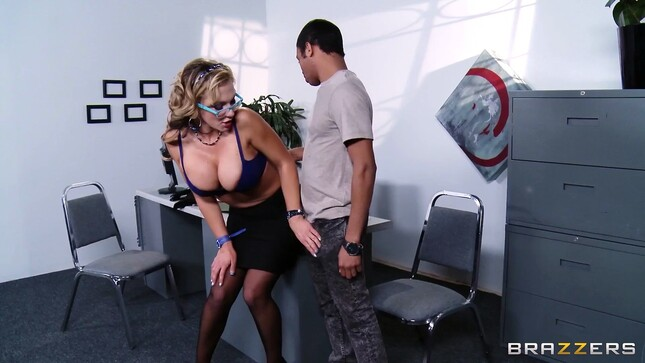 Porno mature slutty passionate blonde with a swarthy young guy