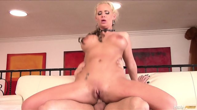 Tasty woman fucked hard in the anus
