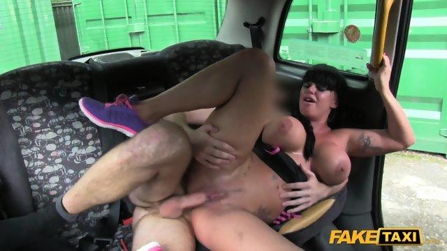 Поддельное такси порно смотреть онлайн