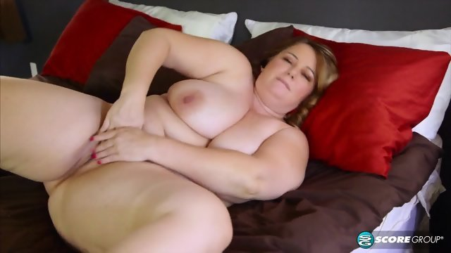 Solo thick slutty wench